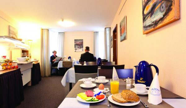 AKZENT Hotel Torgauer Hof Sindelfingen Frühstücksraum 2